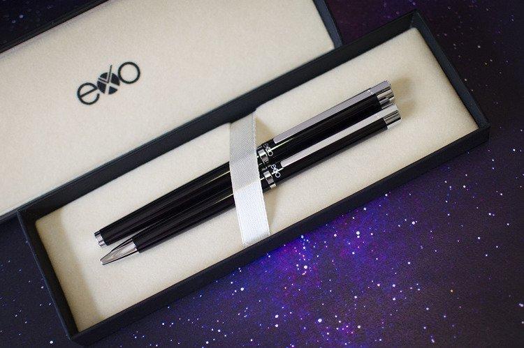 Zestaw (pióro kulkowe i długopis) EXO Vela, czarny, wykończenia chromowane