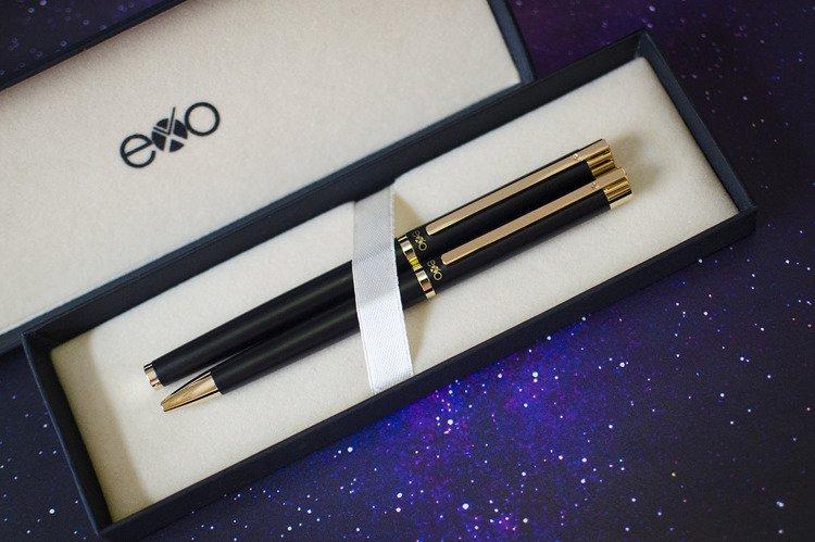 Zestaw (pióro kulkowe i długopis) EXO Vela, czarny, złote wykończenia